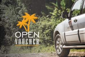 foto de carro com logo do programa open voucher costa rica